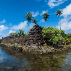 Ilha mal-assombrada no Oceano Pacífico